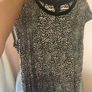 Worthington leopard stretchy top